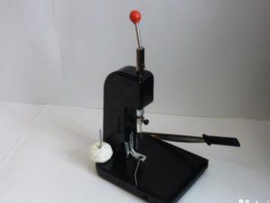 Приспособления для сшивания отчетов нитками