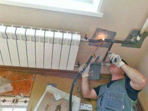 Замена радиатора отопления в квартире за чей счет