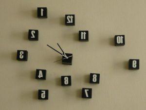 Можно ли сдавать настенные часы без коробки