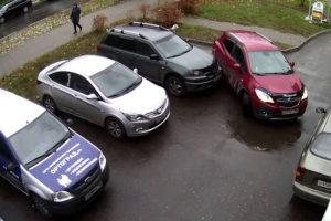 Стоял на парковке рядом с битой машиной и обвиняют в дтп