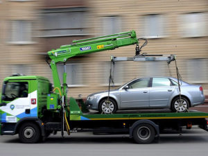 Что делать если повредили машину при эвакуации на штрафстоянку