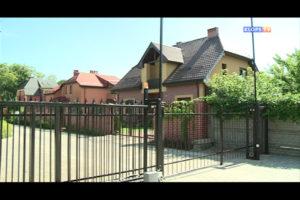Перегородили забором проезд к частному дому
