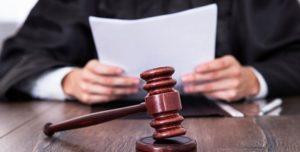 Как не платить деньги за адвоката истца