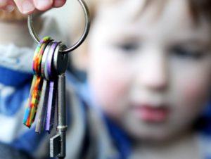 Как выписать детей из проданной квартиры